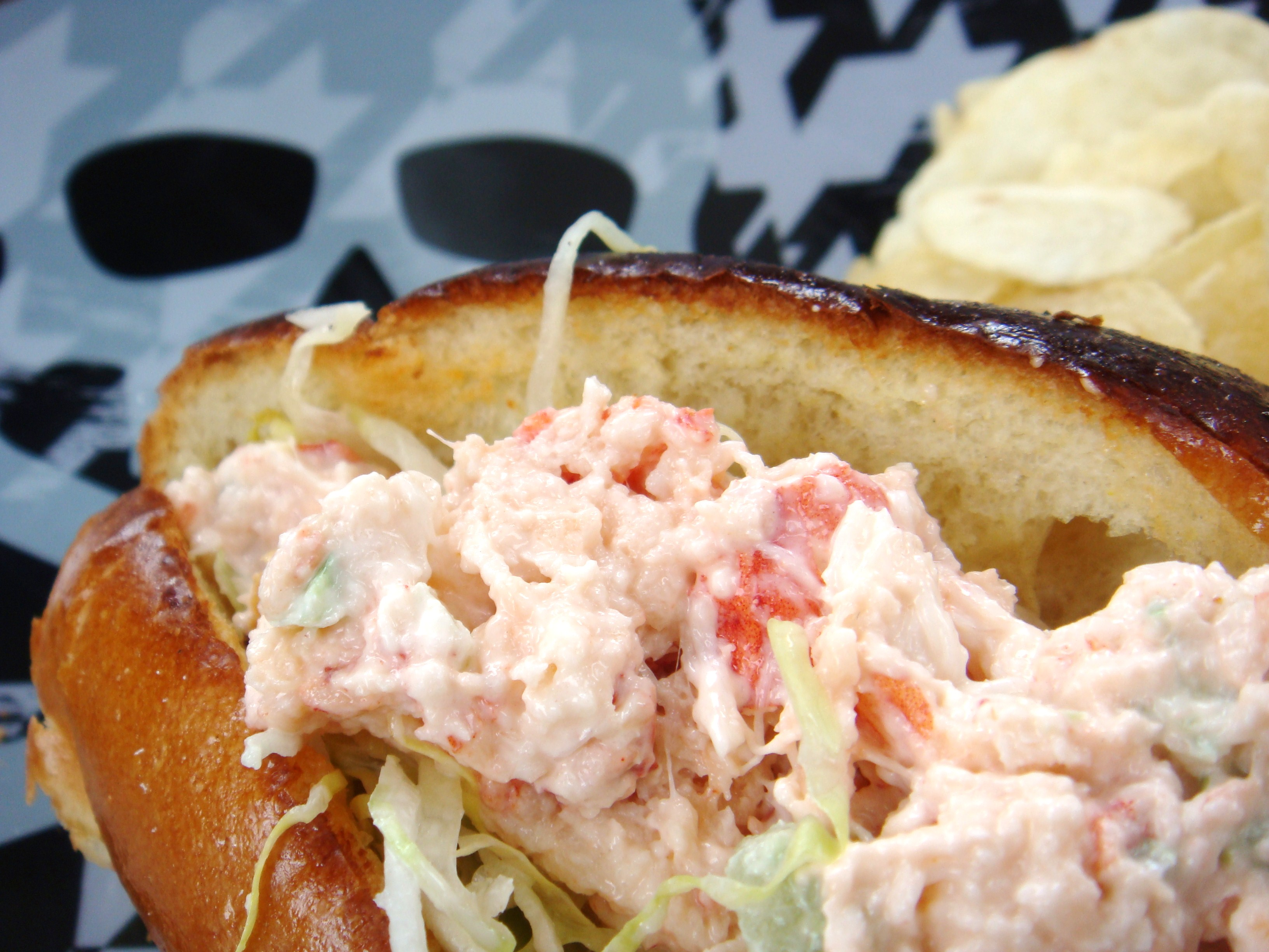 The New England Lobster Roll — A summer-time staple | Boston Food & Whine
