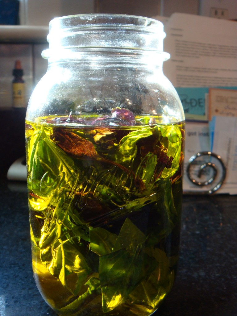 M.G. PAPPAS Basil EVOO Infused Extra Virgin Olive Oil Fresh First Cold Pressed.