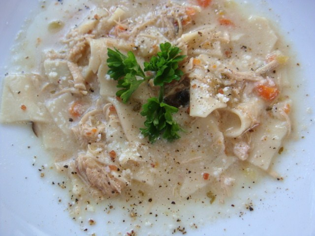 The BEST Creamy Chicken Noodle Soup... EVAH!